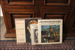 #PoéticaSonoraMX, visita a la colección de Eduardo Ortiz